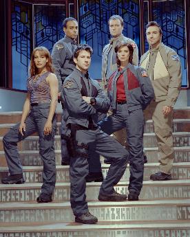 Stargate Atlantis 1ª temporada: Capitulos 1 y 2 Emergiendo.